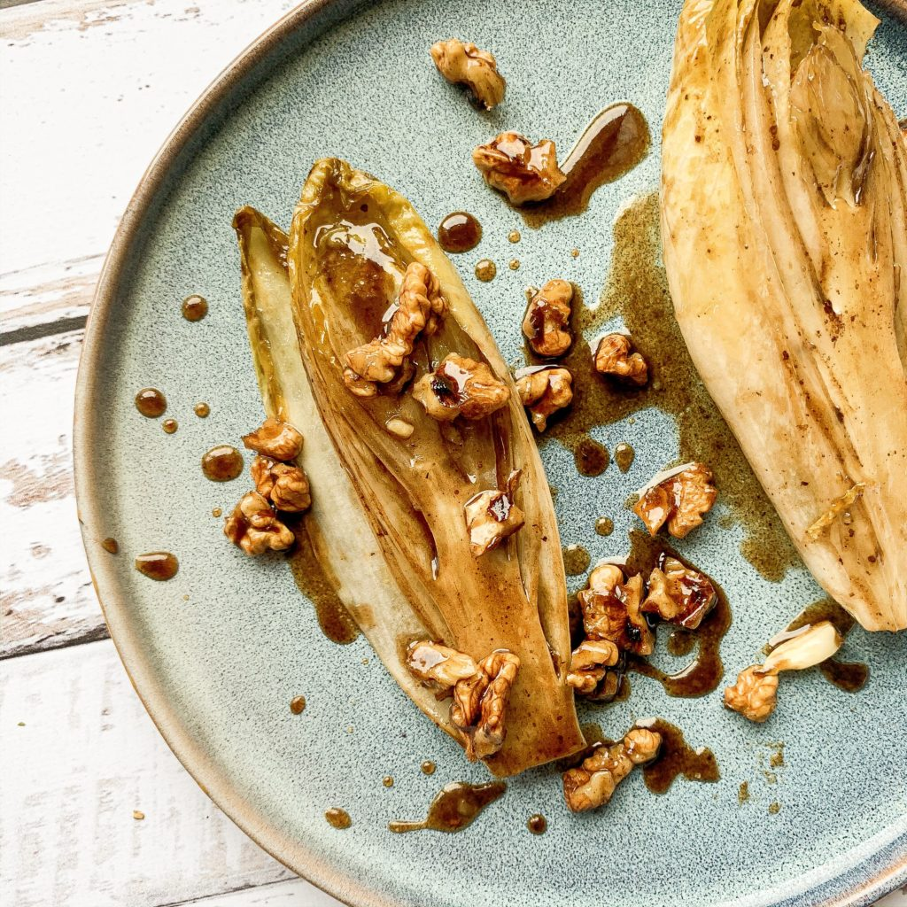 Endives caramélisées aux noix