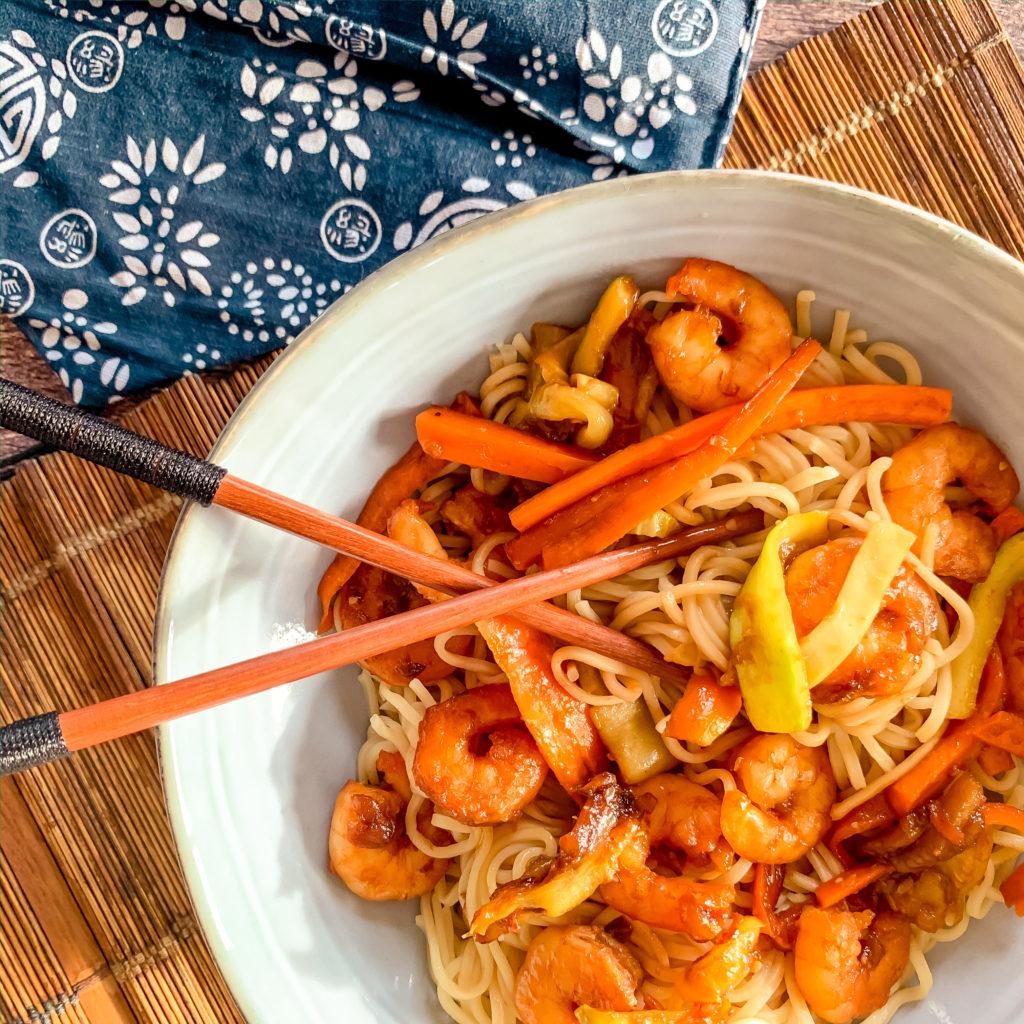 Nouilles aux crevettes et legumes
