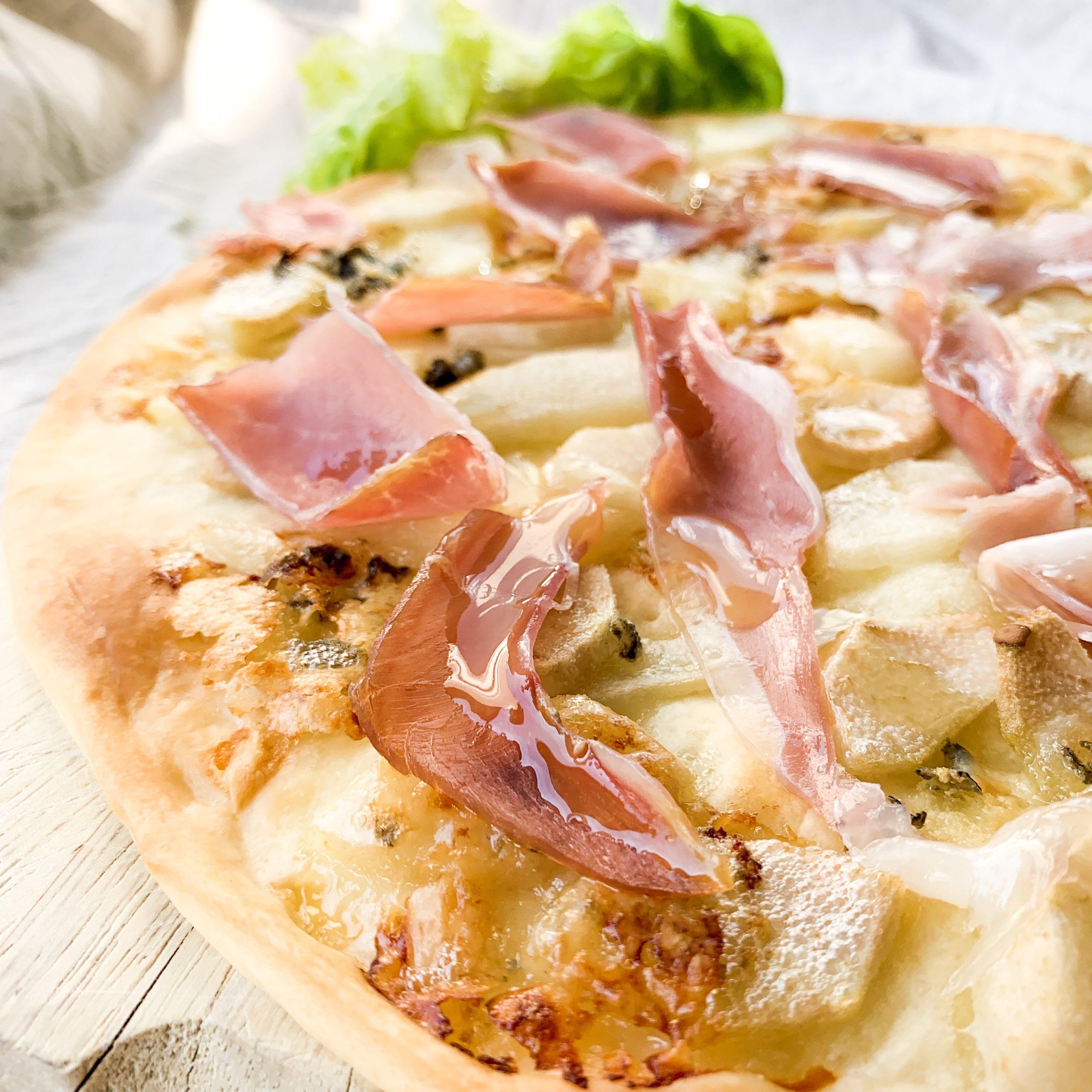 Pizza chèvre roquefort